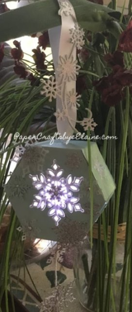 No Stampin Crafts, 3 D, Christmas ornaments, snow fall thinlet Stampin' Up, Snow is glistening, handmade Christmas ornaments, Christmas with Stampin' Up, Christmas, No stamping required.